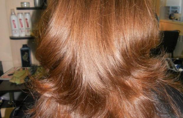 Рваный-каскад-на-русые-волосы-вид-сзади
