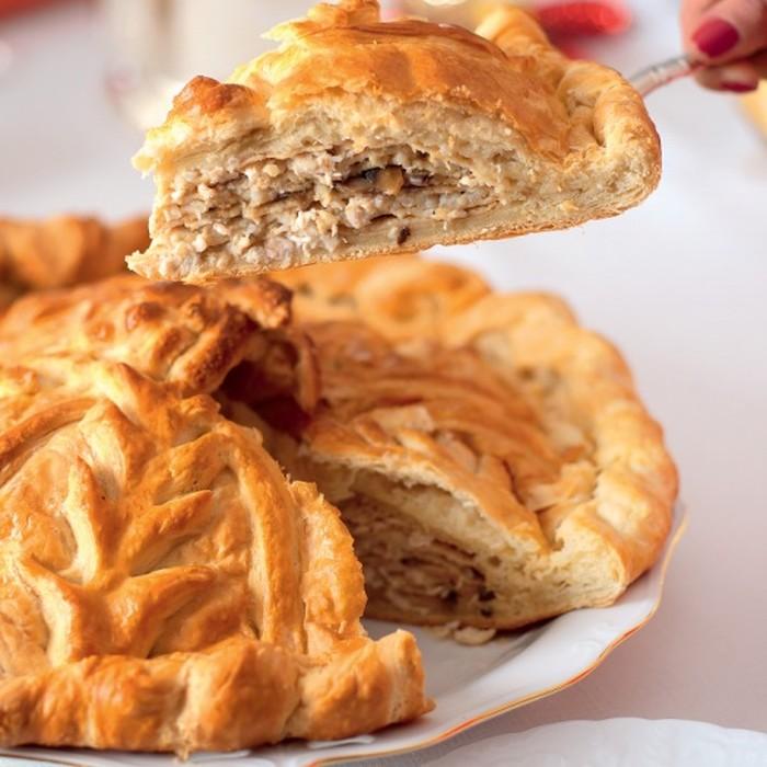 Курник из пирожкового теста
