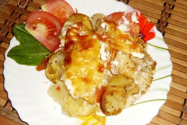 рецепт приготовления картофеля в духовке с курицей