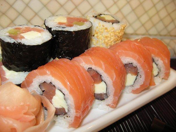 Вкусные салаты из кальмаров с грибами сыром рецепты с фото