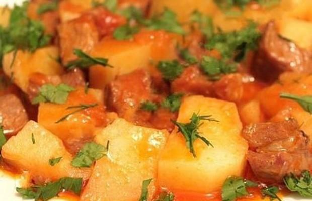 Тушеная картошка в мультиварке пошаговый рецепт с