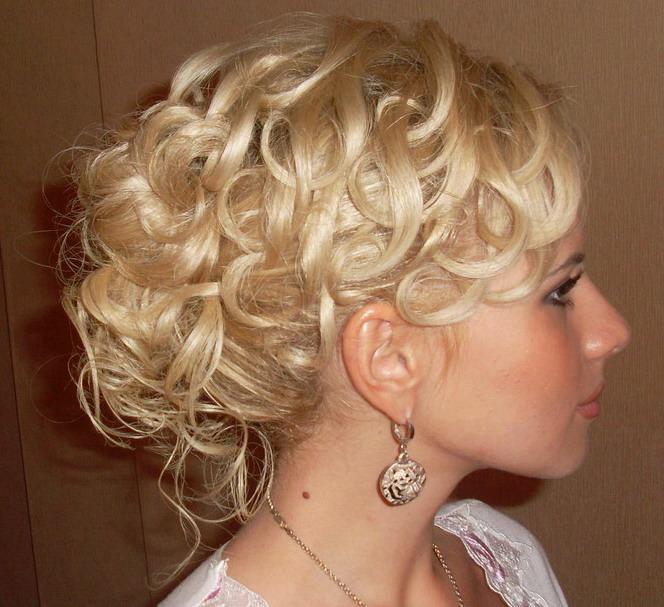 Причёски на средние волосы фото на торжество
