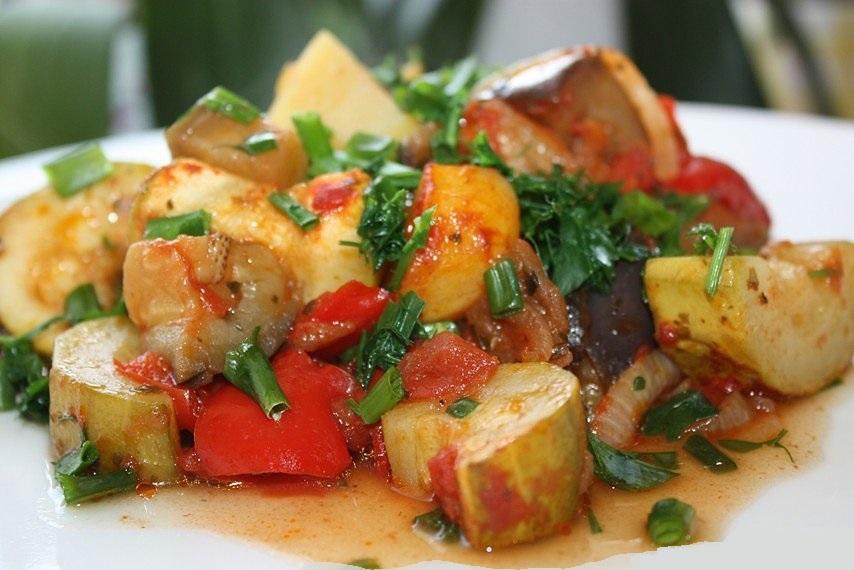 Рагу из кабачков картошки капусты и мяса