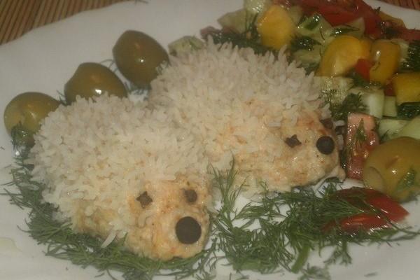 Ежики из фарша с рисом и томатной пастой
