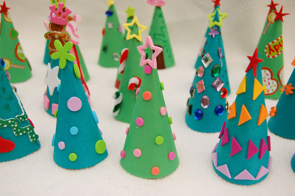Игрушки на елку своими руками из бумаги