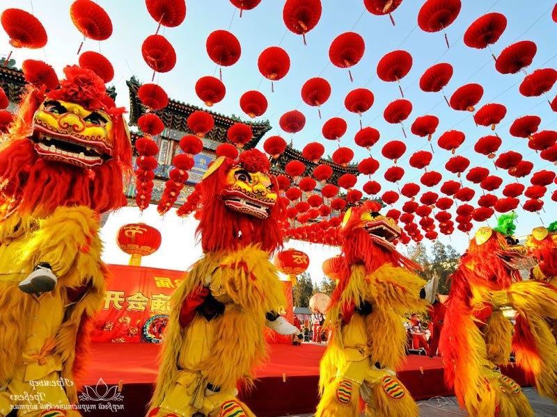 Китайский новый год начинается время