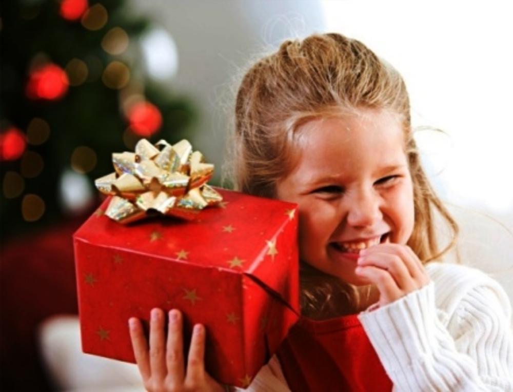 Что подарить девочке 25 лет на новый год