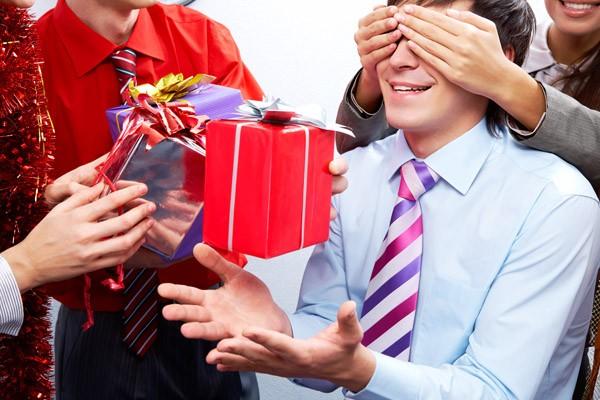 подарок коллегам